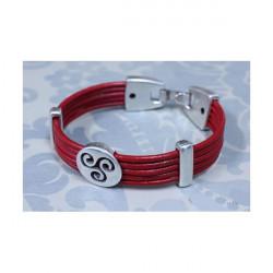 Un braccialetto TRISKEL ROSSO